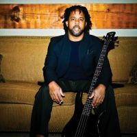 Castiga una din cele 2 invitatii la Jazz Night Out: Victor Wooten Band!