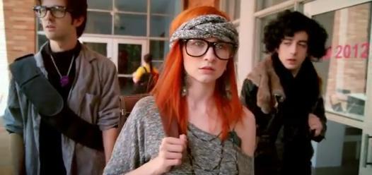 School of Thrones - parodie Urzeala Tronurilor pentru hipsteri