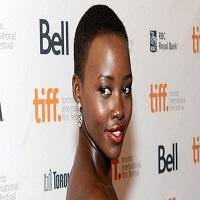 Articole despre Filme - Cum s-a imbracat Lupita Nyong la Oscarurile 2015