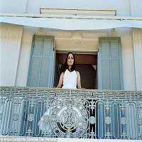 Articole despre Filme - Natalie Portman, mireasa fugita de la altar in noul scurtmetraj marca Dior