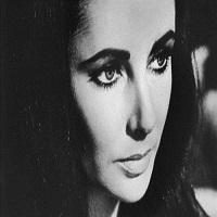 Articole despre Filme - Fotografii inedite cu Elizabeth Taylor in timpul vizitei sale din Iran, in 1976