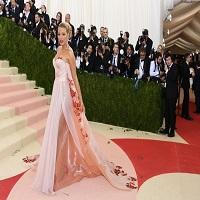 Articole despre Filme - Ce outfituri au avut celebritatile pe covorul rosu de la Met Gala 2016