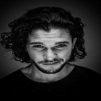 Articole despre Filme - Kit Harrington (Jon Snow), unul dintre cei mai sexy barbati ai prezentului - fotografii care confirma teoria
