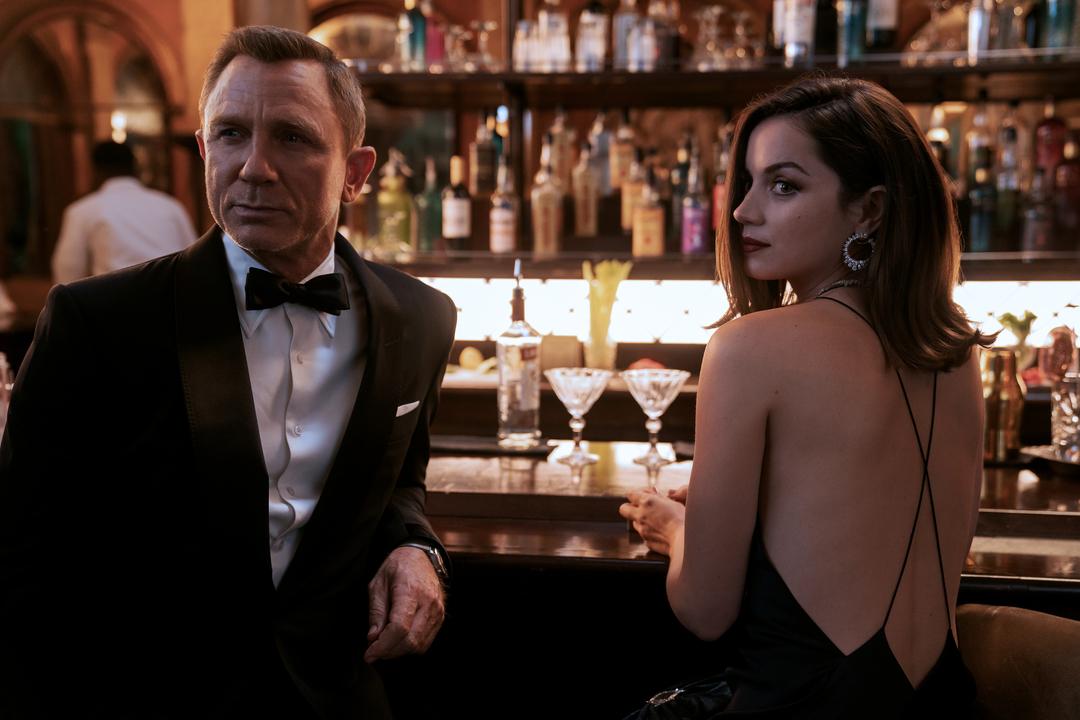 """""""No Time to Die / Nu e vreme de murit"""", James Bond revine pe marele ecran într-o super acțiune"""