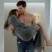 Cronica de film: Fifty Shades of Grey - filmul erotic al deceniului, cu o virgina si un barbat fara penis