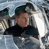 Cronici Filme - Spectre - James Bond, un zmeu care danseaza pe furtuna