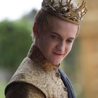 Filme Seriale - Jack Gleeson, actorul care-l intrepreteaza pe Joffrey in Game of Thrones si reactia sa simpatica la scena din episodul 2 sezonul 4 (SPOILER)