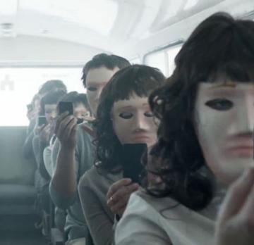 Filme Seriale - Noul sezon Black Mirror va fi #mindfuck