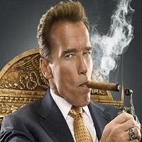 Filme Seriale - Arnold Schwarzenegger ii ia locul lui Trump in Celebrity Apprentice