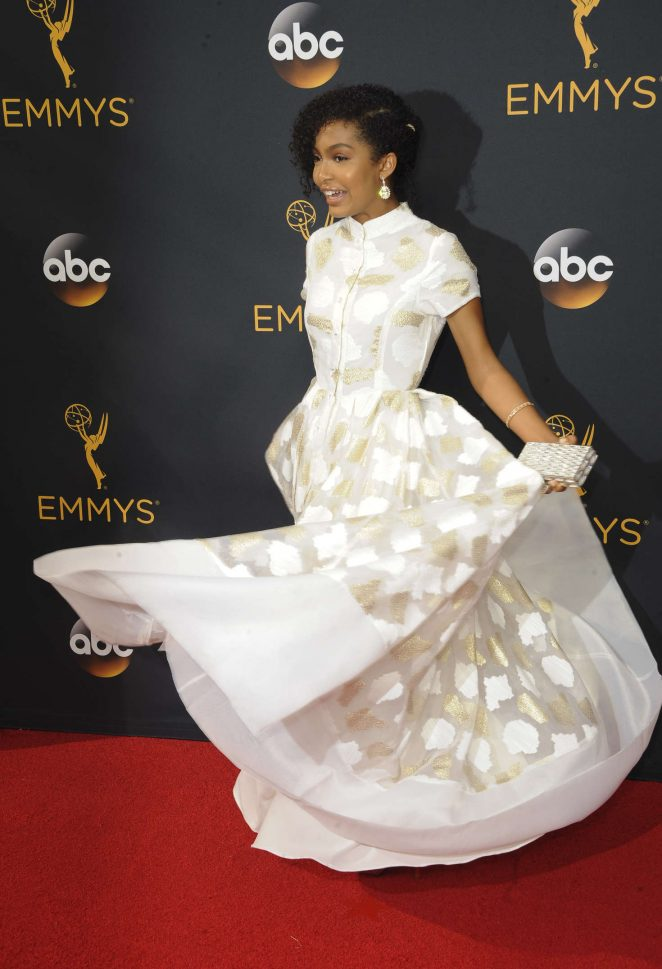 Yara-Shahidi--2016-Emmy-Awards--06-662x969.jpg