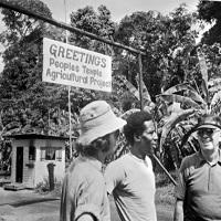 Filme Seriale - Echipa Breaking Bad face o miniserie despre masacrul Jonestown
