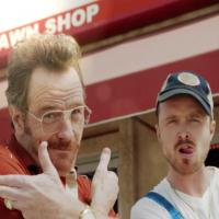 Actorii din Breaking Bad, Aaron Paul si Bryan Cranston, din nou pe micile ecrane intr-un clip super amuzant