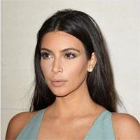 Kim Kardashian a ales o tinuta alba neinspirata pentru un eveniment