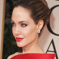 Angelina Jolie, trei tatuaje noi pe spate