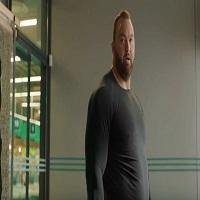 Thor Björnsson aka Mountain din Game of Thrones apare intr-una dintre cele mai dubioase reclame la apa