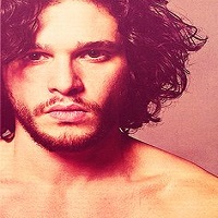 Kit Harington, Jon Snow din Game of Thrones, nu mai are barba, iar look-ul sau a devenit viral pe net
