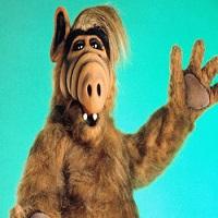 Stiri despre Filme - A murit actorul care-l interpreta pe extraterestrul popular Alf