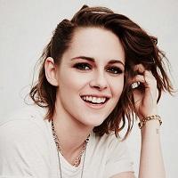 Stiri despre Filme - Kristen Stewart isi declara dragostea fata iubita ei, Alicia Cargile