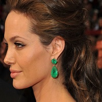Stiri despre Filme - Angelina Jolie a cerut sa-si pastreze bijuteriile in divortul cu Brad Pitt - cum arata acestea