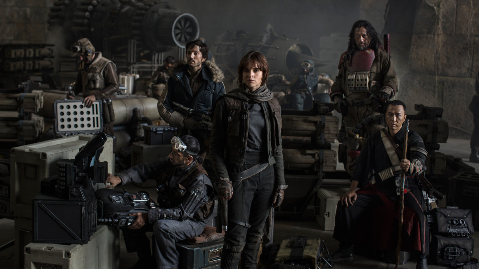 rogue-one-cast-photo-d23-1536x864-521514304075.jpg