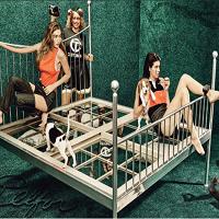Stiri despre Filme - Kendall Jenner si Gigi Hadid au fost mega photoshopate in W magazine si internetul a observat imediat
