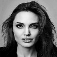 Prima fotografie cu Angelina Jolie dupa anuntarea divortului de Brad Pitt in urma cu 3 saptamani