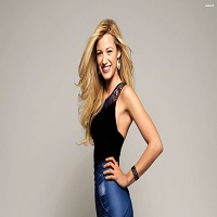 Blake Lively si-a aratat silueta postbebe la L'Oréal Women of Worth Awards si a intors toate privirile celor prezenti
