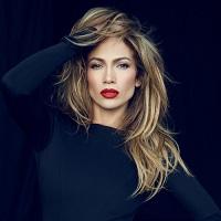 """Jennifer Lopez i-a furat titlul de """"Regina Selfie-urilor"""" lui Kim Kardashian dupa ce si-a facut o poza sexy in oglinda"""