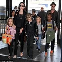 Brad Pitt si Angelina Jolie au dat, in sfarsit, o declaratie comuna in ceea ce priveste divortul