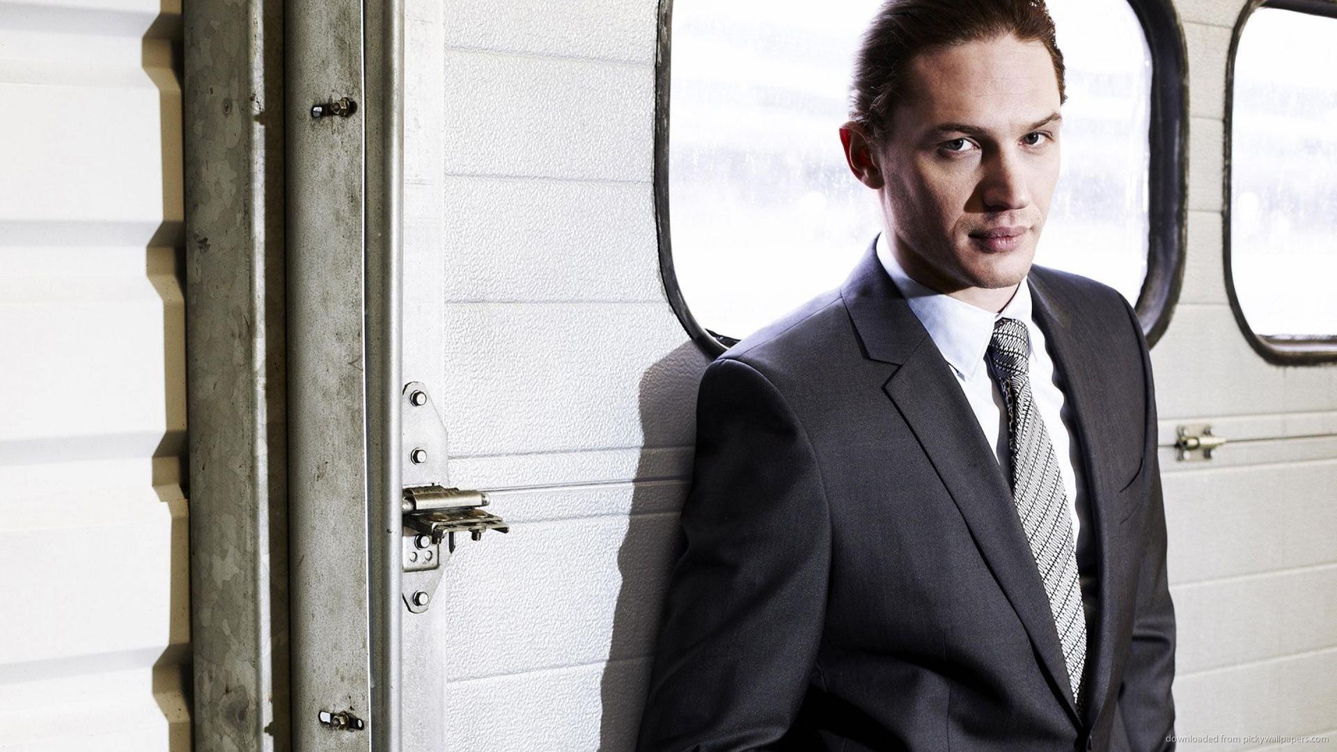 tom-hardy-in-a-suit.jpg