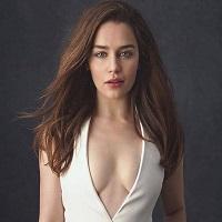 """Emilia Clarke este noua imagine a parfumului """"The One"""" semnat Dolce & Gabbana"""