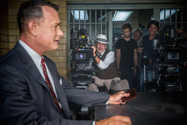 steven-spielberg-tom-hanks-bridge-of-spies-600x400.jpg