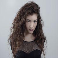 Lorde - tanara de 16 ani care-si scrie singura muzica si versurile