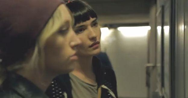 Articole despre Muzica - Paramore a lansat videoclipul oficial al piesei Daydreaming