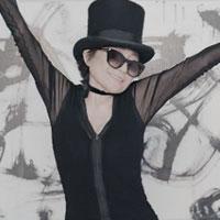 Articole despre Muzica - Yoko Ono, videoclip nou la piesa Bad Dancer, imbracata provocator la 80 de ani