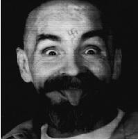 Articole despre Muzica - Cei care-l asculta pe Bon Iver, cel mai probabil, vor asculta cu placere si muzica facuta de criminalul Charles Manson
