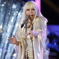 Articole despre Muzica - Duet de senzatie intre Lady Gaga si Christina Aguilera la The Voice - VIDEO