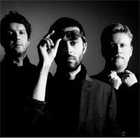 Articole despre Muzica - Vezi ultimul clip al trupei Eyedrops pentru piesa Monday, o melodie de ascultat pe repeat
