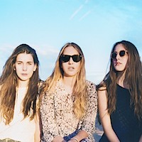 "HAIM a lansat un clip nou si sexy pentru melodia ""If I Could Change Your Mind"""