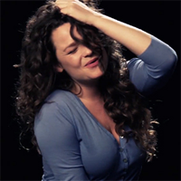 Articole despre Muzica - O trupa de fete incearca sa cante in timp ce au orgasm - VIDEO