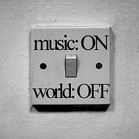Articole despre Muzica - 10 artisti mai putin cunoscuti pe care trebuie sa ii asculti in 2015