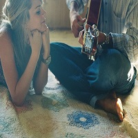 Articole despre Muzica - 10 piese pe care sa le ascultati la birou, la inceput de 2015