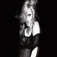 """Articole despre Muzica - Madonna a pozat nud pentru a protesta impotriva """"ipocriziei retelelor de socializare"""""""