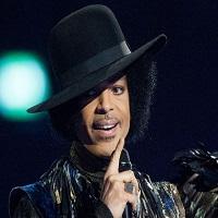 """Articole despre Muzica - Doua interpretari absolut superbe ale hit-ului """"Purple Rain"""" - Jessie J si Adam Levine l-ar fi facut mandru pe Prince"""