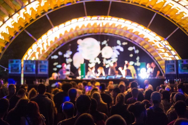 3 Smoked Olives Island Festival începe săptămâna viitoare