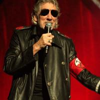 Cronici de Concerte si Evenimente - Roger Waters, The Wall - cel mai impresionant spectacol pe care l-a vazut Bucurestiul