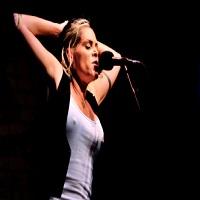Cronici de Concerte si Evenimente - Beth Hart la Bucuresti - un concert invaluit in emotie, energie, un public venit de drag si o voce care ne-a lasat fara cuvinte
