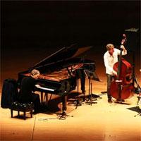 Cronici de Concerte si Evenimente - Brad Mehldau Trio la Bucuresti - o poveste care se asculta cu ochii inchisi