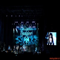 The Hollywood Vampires la Bucuresti: artificii, baloane si un Alice Cooper vesnic tanar
