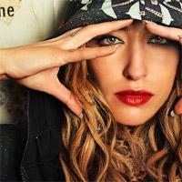 """Interviuri cu Artisti - Interviu: Delilah - """"Sunt un mare fan al bucatariei romanesti"""""""